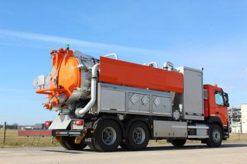 KOKS MULTIVAC   Pressure/vacuum Truck